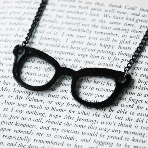 """Nerd Glasses"" necklace (black)"