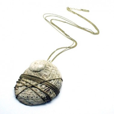Necklace shell rock gold