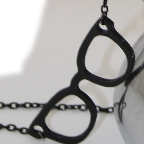 """""""Nerd Glasses"""" necklace (gold)"""