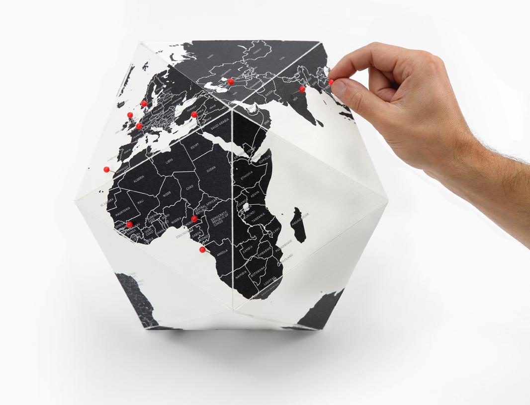 bola-del-mundo-here